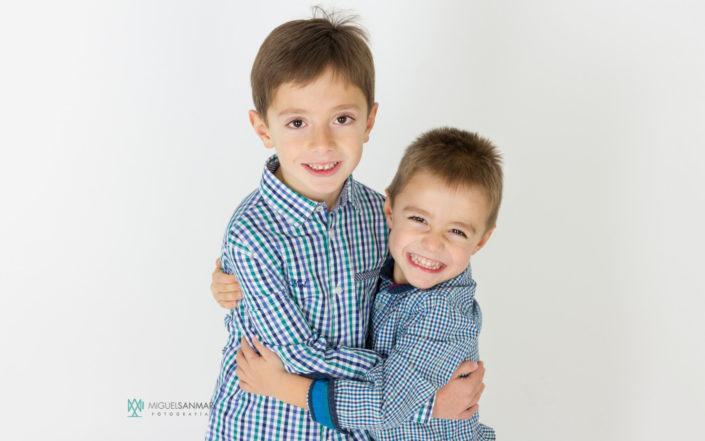 Adrián y Mateo